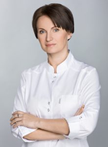 L_Sereicikiene_med_kosmetologe
